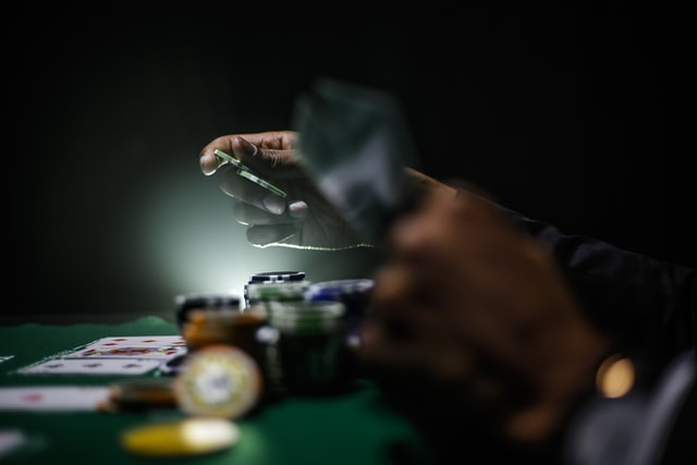 5 Ways to Help A Loved One with Gambling Problems